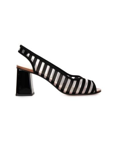 Czarne zamszowe sandały na obcasie