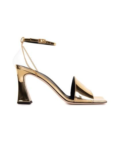 Złote lakierowane sandały