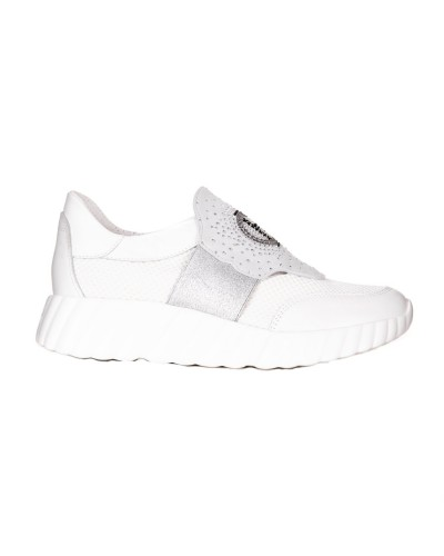 Białe skórzane sneakersy na podeszwie 4 cm