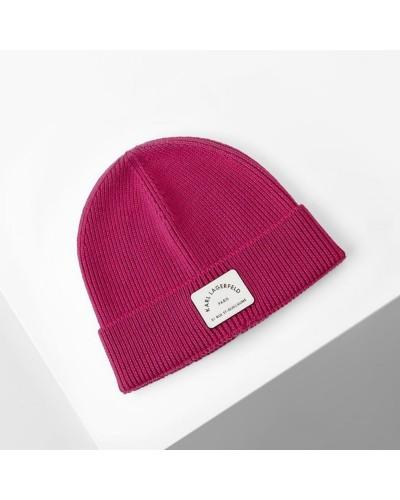 Różowa wełniana czapka