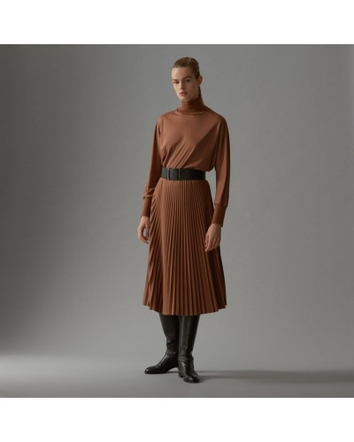Brązowa plisowana sukienka