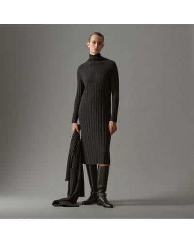 Czarna wełniana sukienka