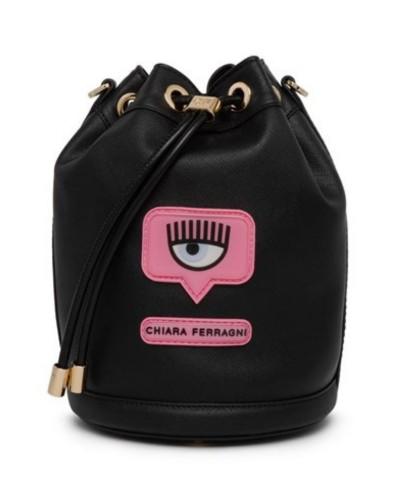 Czarna skórzana torebka typu worek