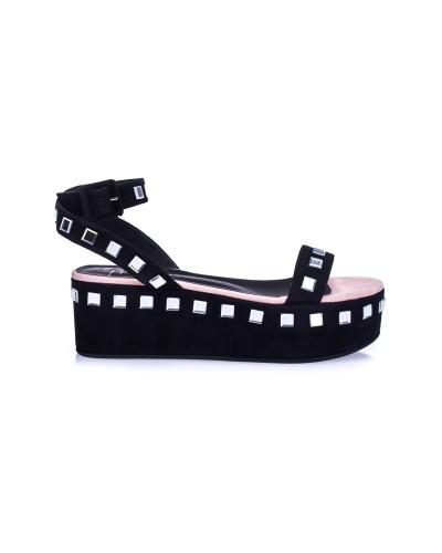 Czarne zamszowe sandały na platformie
